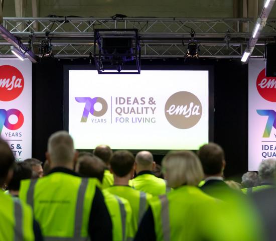 Zum 70. Firmenjubiläum hat Emsa eine Geburtstagsfeier mit Gästen und Mitarbeitern in Emsdetten organisiert.