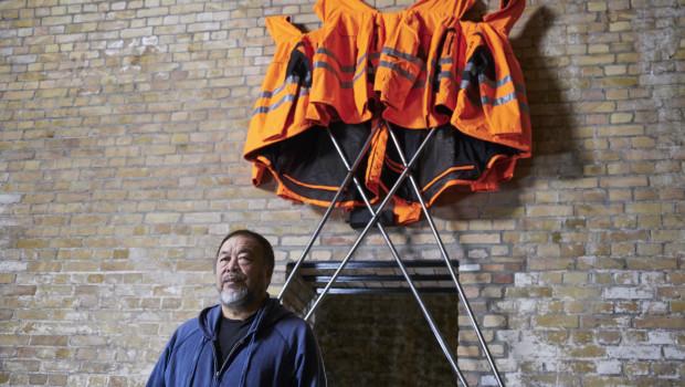 """Hornbach und Ai Weiwei präsentierten heute in Berlin""""Safety Jackets Zipped the Other Way"""", ein Kunstwerk für alle zum Selberbauen."""