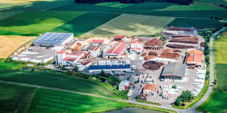 Der Stammsitz des Unternehmens befindet sich in Stein bei Plößberg in der Oberpfalz.