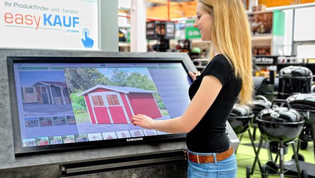 Mit Touchscreen-Inforterminals macht Kömpf den Schritt in den Omnichannel-Handel in seinen Baumärkten.