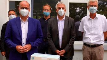 Köbig spendet hilfsbedürftigen Menschen Schutzmasken