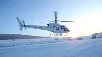 Neuhofer Holz lässt Kunden im Helikopter einfliegen