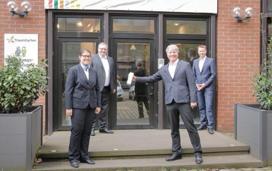 Bei Brügmann waren (von links) Anna-Karoline Schneider, Joachim Schock, Geschäftsführer Ralf Engelhardt und Christian Schlierenkämper anwesend.