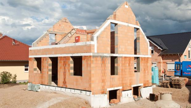 Die Zahl der Baugenehmigungen für Einfamilienhäuser ist 2015 um 8,1 Prozent gestiegen. Foto: LBS
