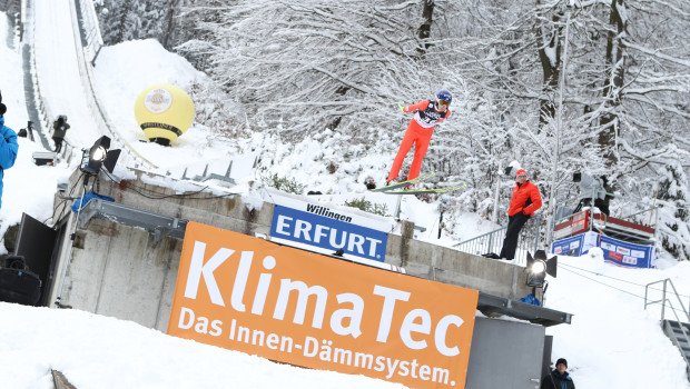 Aufmerksamkeitsstark: Erfurt platziert das Branding von Klima Tec unter anderem direkt am Schanzentisch.