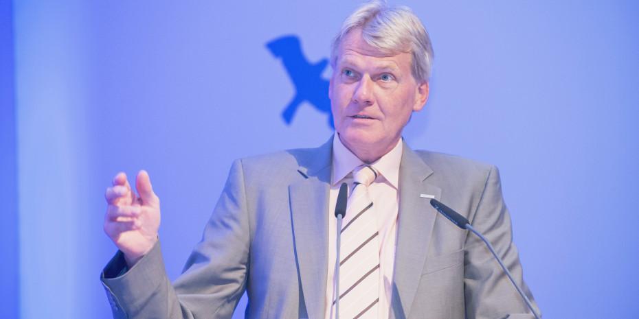 Ulrich Wolf, Vorsitzender der Geschäftsführung, gab einen Überblick über die strategische Ausrichtung im E-Commerce.