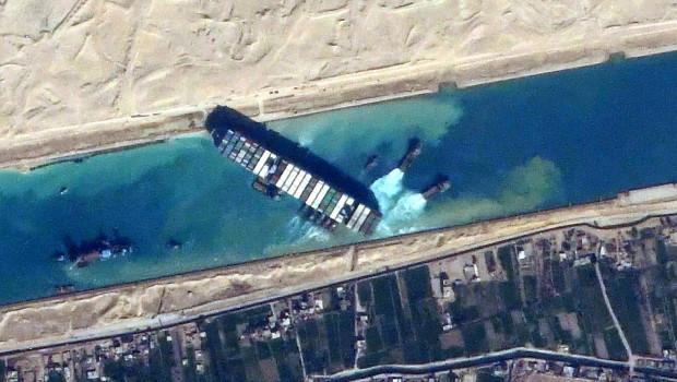 Das Schiff steckte wochenlang im Suezkanal fest.