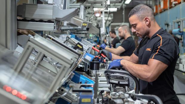 Mitarbeiter erhalten eine Prämie in Höhe von 69 Prozent eines Monatsgehalts.
