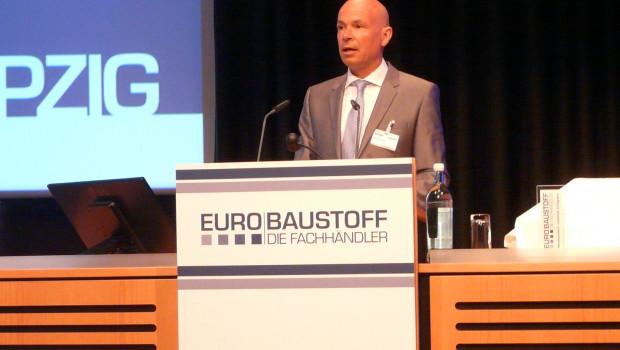 Der Aufsichtsratsvorsitzende Boy Meesenburg führte durch die Gesellschafterversammlung der Eurobaustoff in Leipzig.