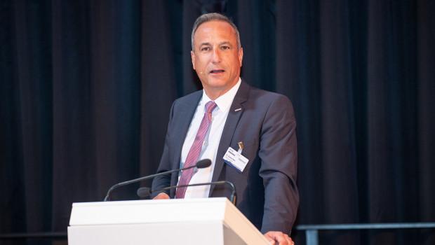 """Auf der Gesellschafterversammlung der Eurobaustoff hat Dr. Eckard Kern, Vorsitzender der Geschäftsführung, eine Rede zum Thema """"Den Wandel gestalten"""" gehalten."""