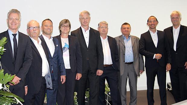 Freuen sich über gute Zahlen (von links): Peter Pohl (Vorstand), Ulrich Eggert (Referent), Alexander Wagner (Aufsichtsrat), Ursula Lindl (Vorstand), Karl-Heinz Dautz, Lars Heindl, Thomas Stoczek, Axel Mauch, Michael Spiering (Aufsichtsräte).