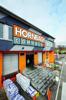 Hornbach verabschiedet sich trotz der Schließung in Alzey nicht von seinem Compact-Format. In Baden-Württemberg sind zwei neue Standorte geplant.