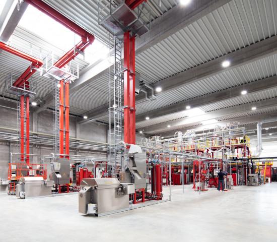 Durch die Aufbereitung und Wiederverwertung von Kunststoff werden pro Jahr 100.000 t CO2-Emissionen gegenüber der Verwendung von neuen Rohstoffen eingespart.