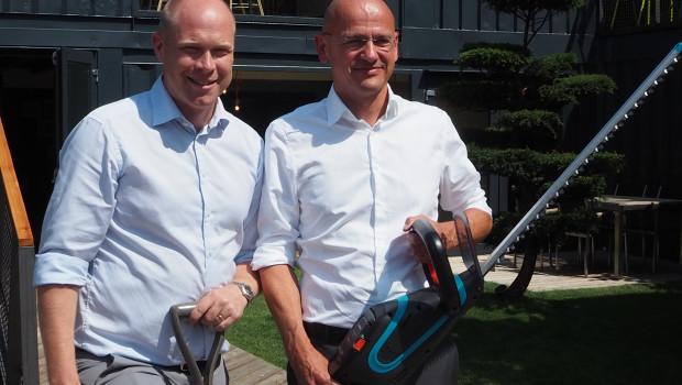Pär Åström (l.), President der Gardena Divison, und Tobias M. Koerner, Vice President Sales, haben auf einer Pressekonferenz in Ulm die jüngsten Zahlen von Gardena und Neuheiten für die kommende Saison vorgestellt.