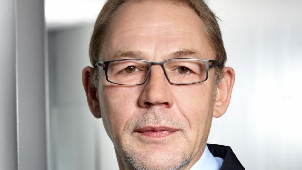 Dr. Robert Gereke, bisher Vorstand des Industriegeschäfts bei Tesa, wird Nachfolger von Thomas Schlegel, der den Vorsitz des Vorstands der Tesa SE nach mehr als sieben Jahren niederlegt.