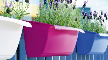 Bewässerungskasten mit integrierter Halterung
