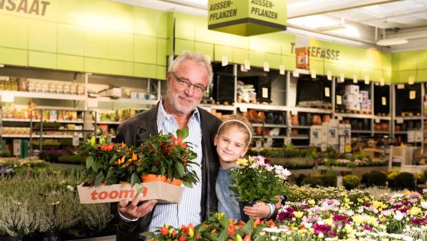 Bei Toom bekommen die Kunden ab sofort ausschließlich Zierpflanzen, die ohne besonders bienengefährliche Pestizide produziert wurden.