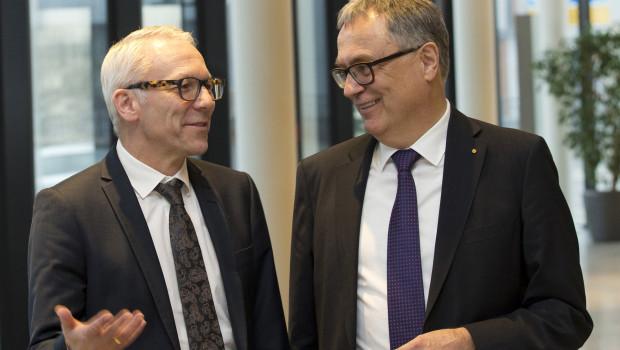 Fusioniert, um zu wachsen: Dr. Dirk Leiß (l.), Vorstandsvorsitzender der Benecke-Kaliko AG, und Dr. Hans-Hinrich Kruse, Vorstandsvorsitzender der Konrad Hornschuch AG.