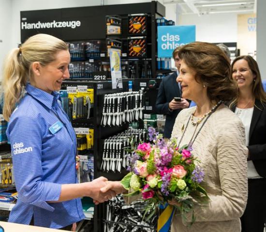 Im Markt sprach sie auch mit den Mitarbeitern und mit Marktleiterin Peggy Fleischer.
