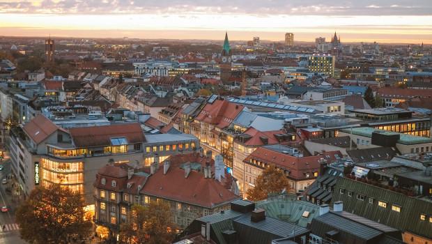 In den deutschen Großstädten ist die durchschnittliche Wohnfläche seit dem Jahr 2010 zurückgegangen.