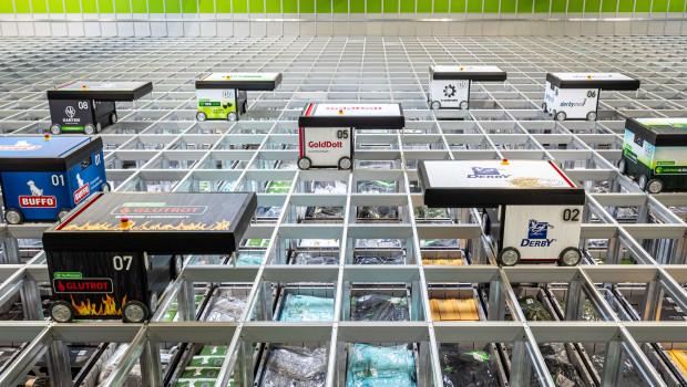 Das neue Autostore-System bietet auf knapp 600 m² Gesamtfläche Platz für 24.120 Behälter und ist mit vier Arbeitsplätzen sowie zehn Robotern ausgestattet.