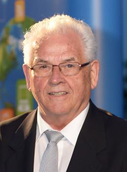 Prof. h. c. Manfred Maus