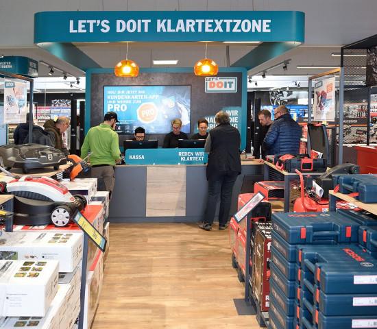 """Die """"Klartextzone"""" ist in der Mitte des Fachmarktes eingerichtet."""