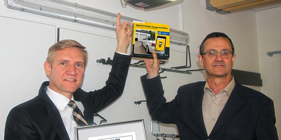 Schellenberg-Geschäftsführer Sascha Schellenberg (l.) und Harald Bott, diy-Fachredakteur.