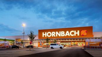 Hornbach hebt Prognose für 2020/21 an