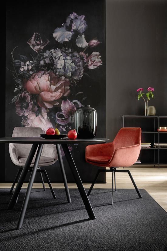 Raffinierter Wandschmuck: Die Blumen auf der Digitaldruck-Tapete Fleurs wirken dreidimensional.