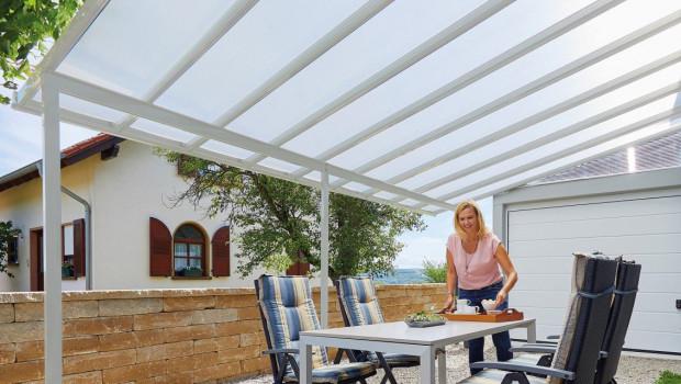 Gutta ist ein Hersteller von Terrassendächern, Carports, Vordächern und weiteren Bedachungssystemen.