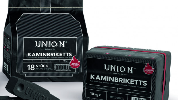 Neben dem Markennamen wurde auch die Verpackung einer Neugestaltung unterworfen und ist in Schwarz mit weißer Aufschrift gehalten.