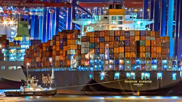 In Richtung Europa und USA teure Mangelware: Schiffscontainer.
