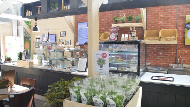 """Gerade für Gartencenter ist Gastronomie eines der derzeitigen Top-Themen. So hat beispielsweise die Sagaflor auf der Garten- und Zooevent das Gastro-Konzept für die """"grün erleben""""-Märkte vorgestellt."""