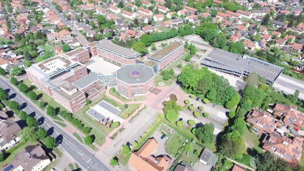 """Die Hagebau-Zentrale in Soltau freut sich auf die Berater von Oliver Wyman, die der Kooperation bei der Umsetzung des Effizienzprogramms """"Evo"""" helfen sollen."""