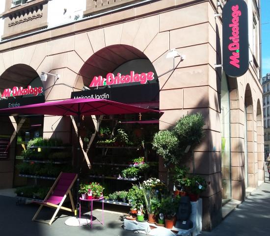 Zum Portfolio von Mr. Bricolage gehören auch innerstädtische Kleinflächenmärkte.