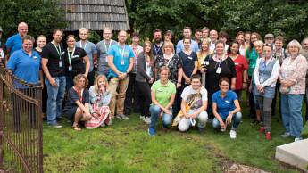 Treffen von über 30 Gartenbloggern bei Bruno Nebelung