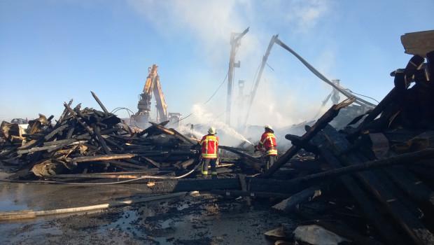 Nach einem Brand bei den Holzwerken Ladenburger wurde die Produktion vorübergehend auf benachbarte Standorte verlagert.