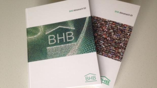 Aktuell erschienen ist der BHB Almanach 02, im Bild vereint mit der Vorgängerausgabe von 2014.
