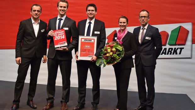 Die Toom Baumarkt-Geschäftsführung überreichte Bosch und Classen die Sieger-Urkunden.