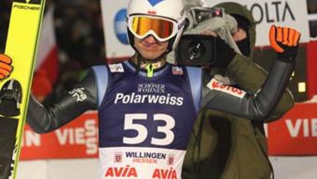 Schöner Wohnen Polarweiss ist offizieller Sponsor des FIS Skisprung Weltcups in Willingen.