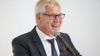 Helmut Benefader in den Ruhestand verabschiedet