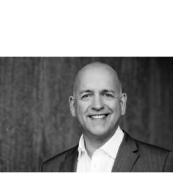 Peer de Lange verläst Bauvista zum 1. Mai 2017.