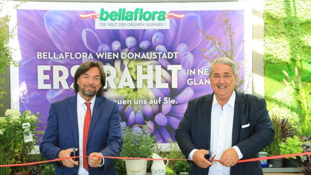 Franz Koll, Geschäftsführer Bellaflora, und Ernst Nevrivy, Bezirksvorsteher Wien Donaustadt, bei der feierlichen Eröffnung der neu gestalteten Filiale Donaustadt.