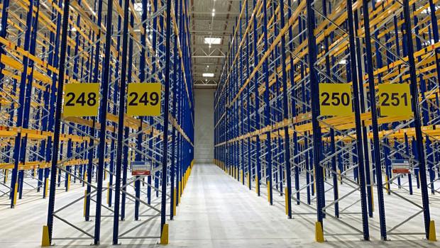 Das neue Dachser Distributionszentrum in Magdeburg mit einer Größe von 8,4 Hektar umfasst zwei Hallen mit einer Gesamtlogistikfläche von 40.000 Quadratmetern.