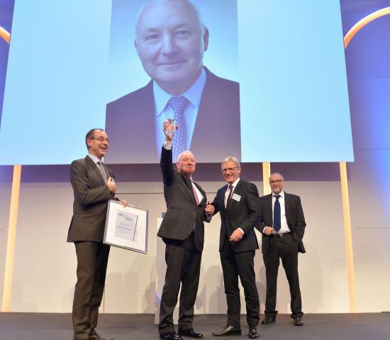 2017 ging der DIY-Lifetime-Award an John W. Herbert.