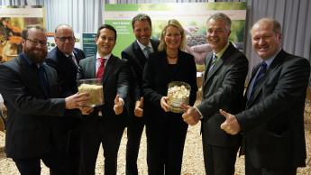 NRW-Umweltminister Remmel lobt Kleeschulte für CO2-Transparenz