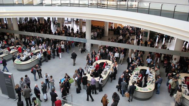 Die Besucher der Interzoo werden ab 2018 im Mai an den Lauftagen Dienstag bis Freitag auf die Weltleitmesse strömen.