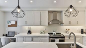 Die Küche wird am liebsten weiß gestrichen