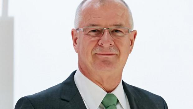 """""""Es ist uns 2015 gelungen, das Roto-Schiff in stürmischer See auf Kurs zu halten."""": So beschrieb Dr. Eckhard Keill während des 10. Internationalen Fachpressetages Situation und Entwicklung des Unternehmens. Auch 2016 erwartet der Vorstandsvorsitzende von den Märkten keinen Rückenwind."""